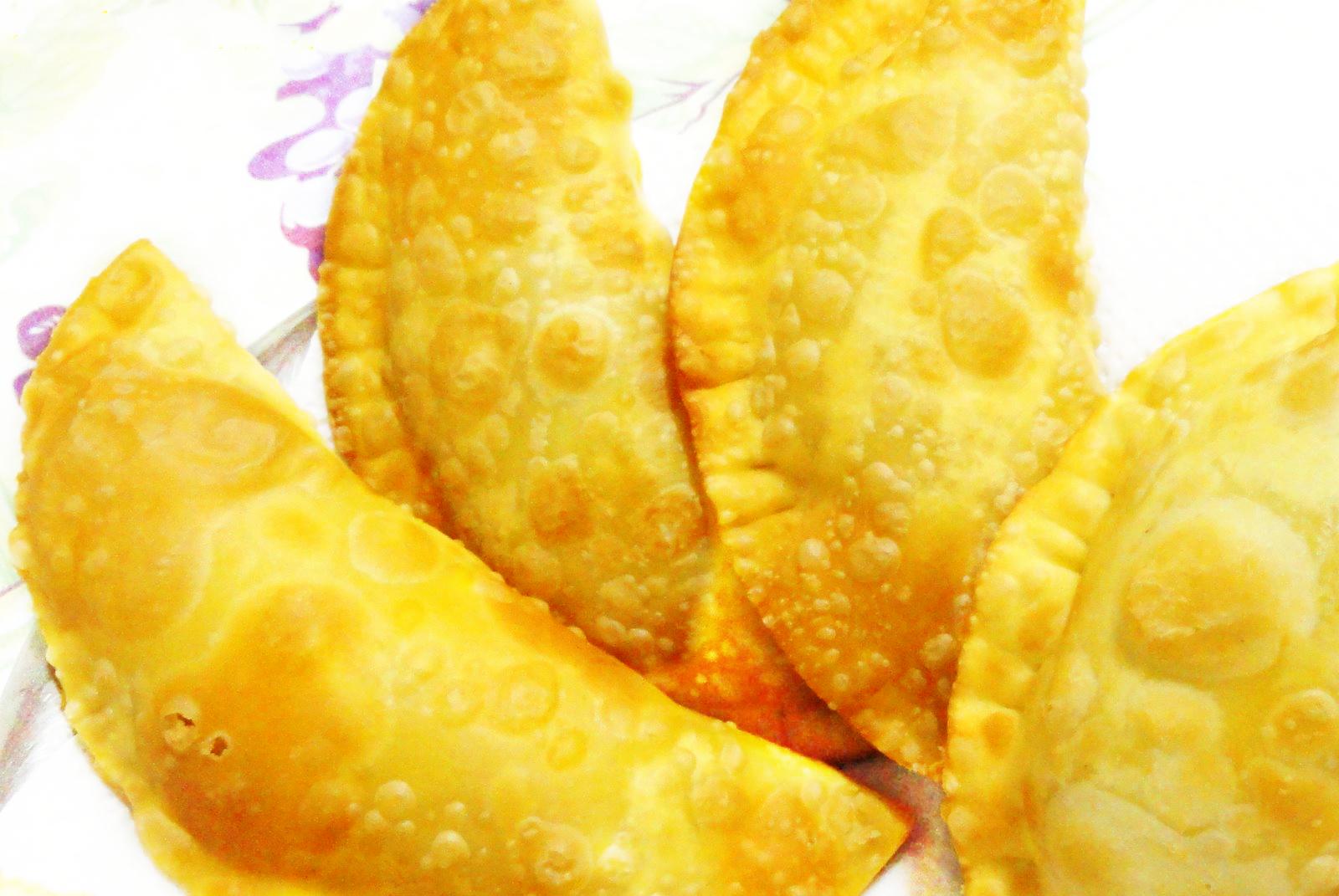 Pastel com recheio de batatas